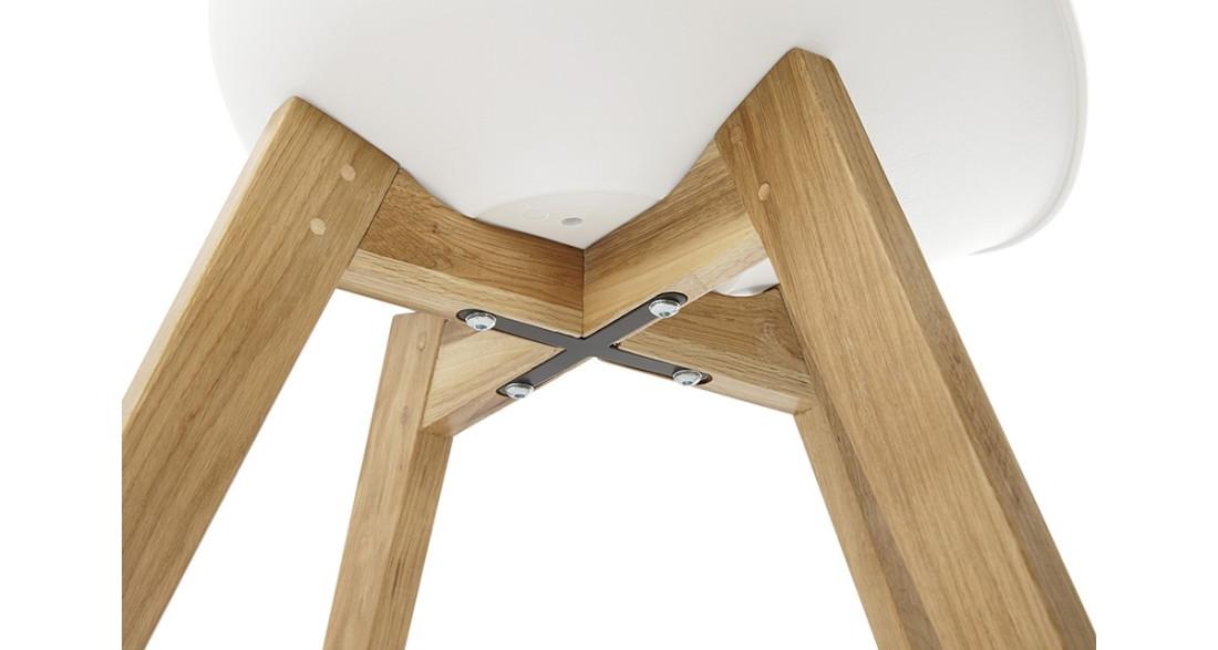 Chaise de repas blanche avec pieds chêne esprit scandinave Swevik