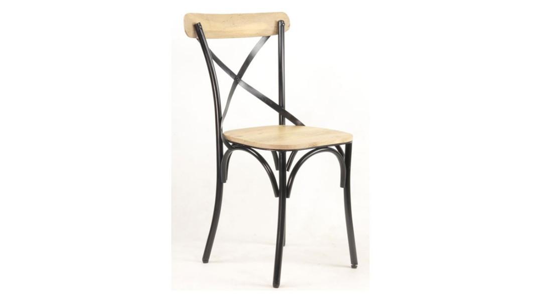 Chaise de bistrot industrielle et vintage en bois clair et