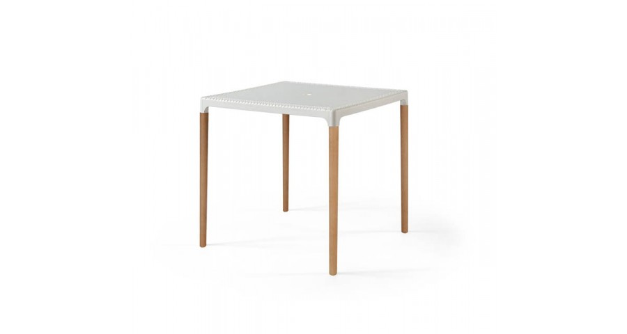 Lot 25 tables 75 x 75 cm Angelica