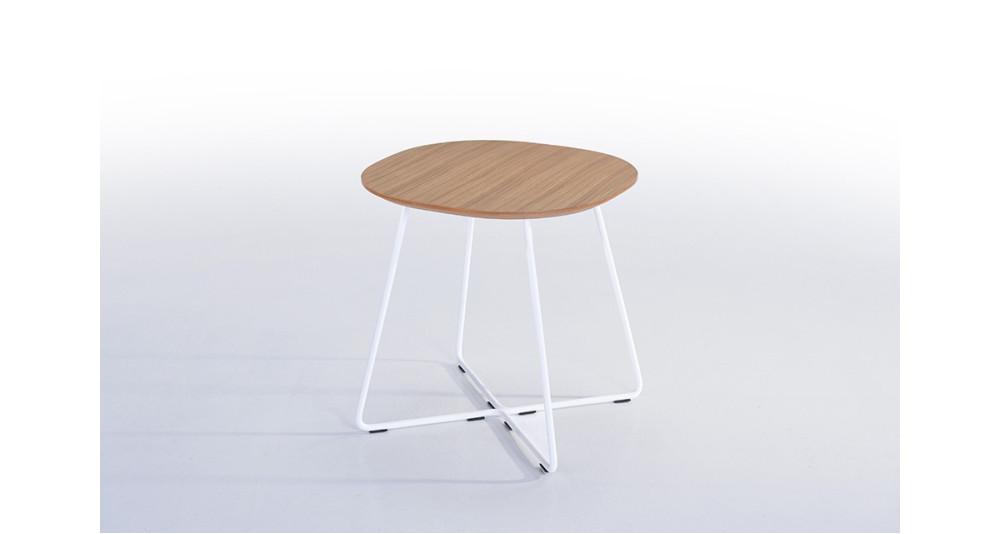 Table d'appoint en chêne et métal blanc Marill