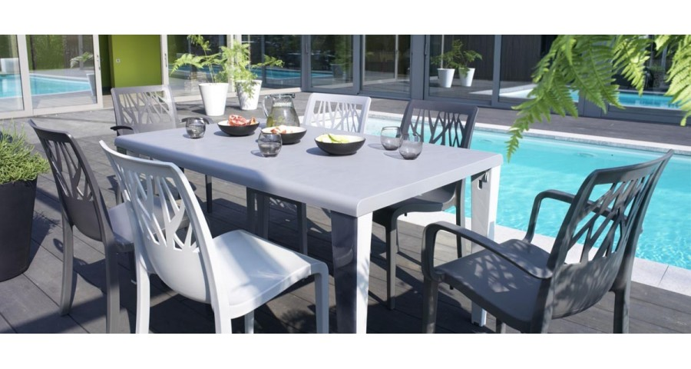 16 x Chaise de jardin monobloc Vegetal - 4 coloris