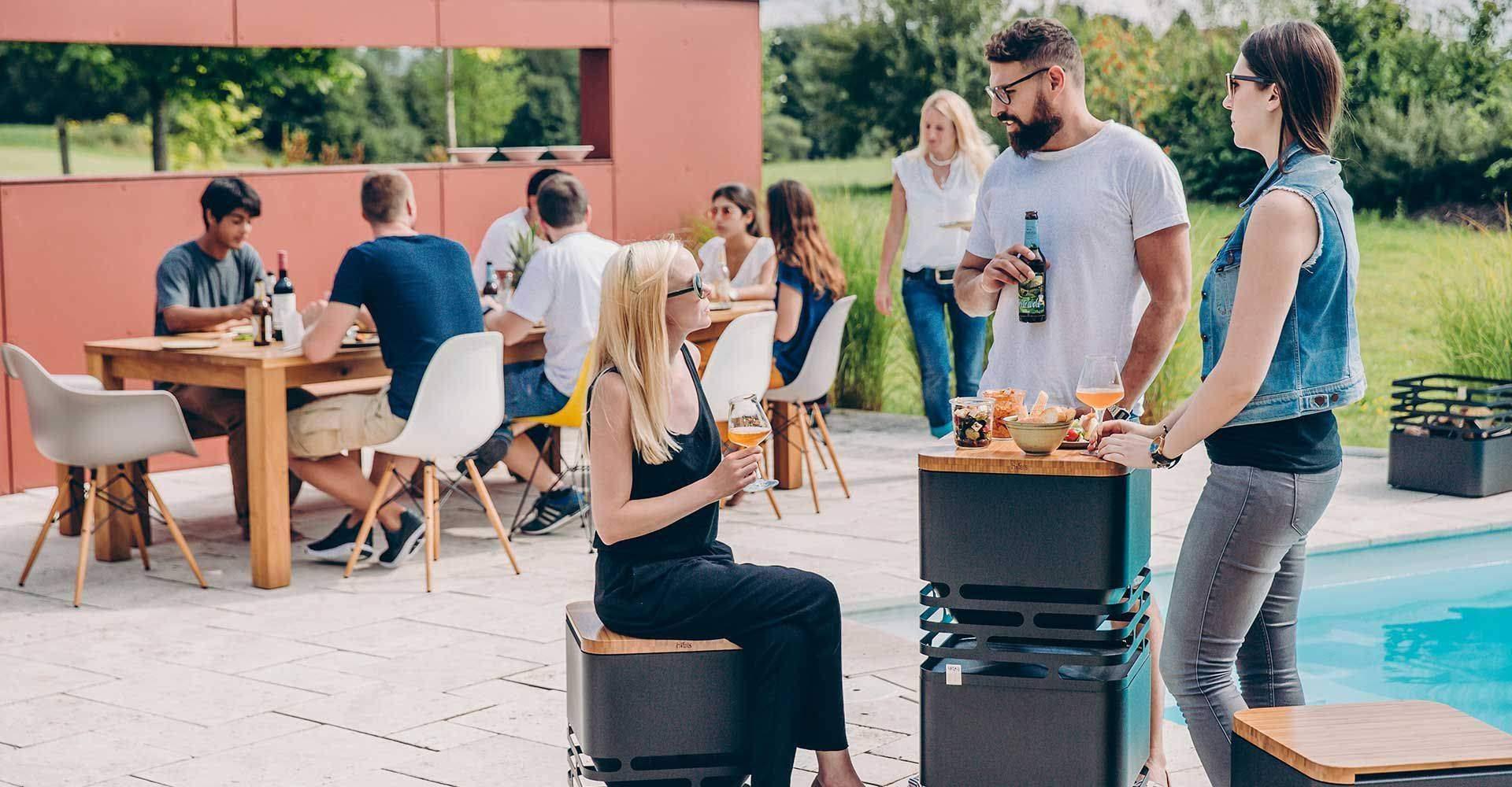 Cube Höfats empilés table haute jardin extérieur