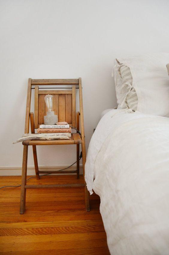 Chaise en table de chevet