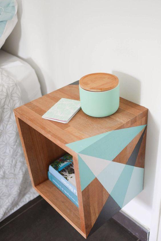 PEinture couleur table de chevet cube en bois