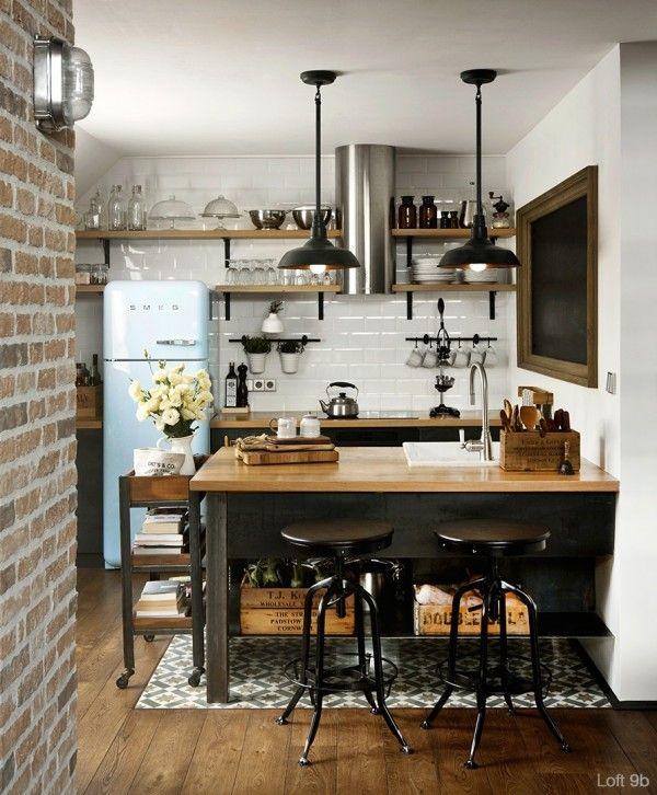Cuisine mur en briques vintage et carrelage façon briques métro, style industriel