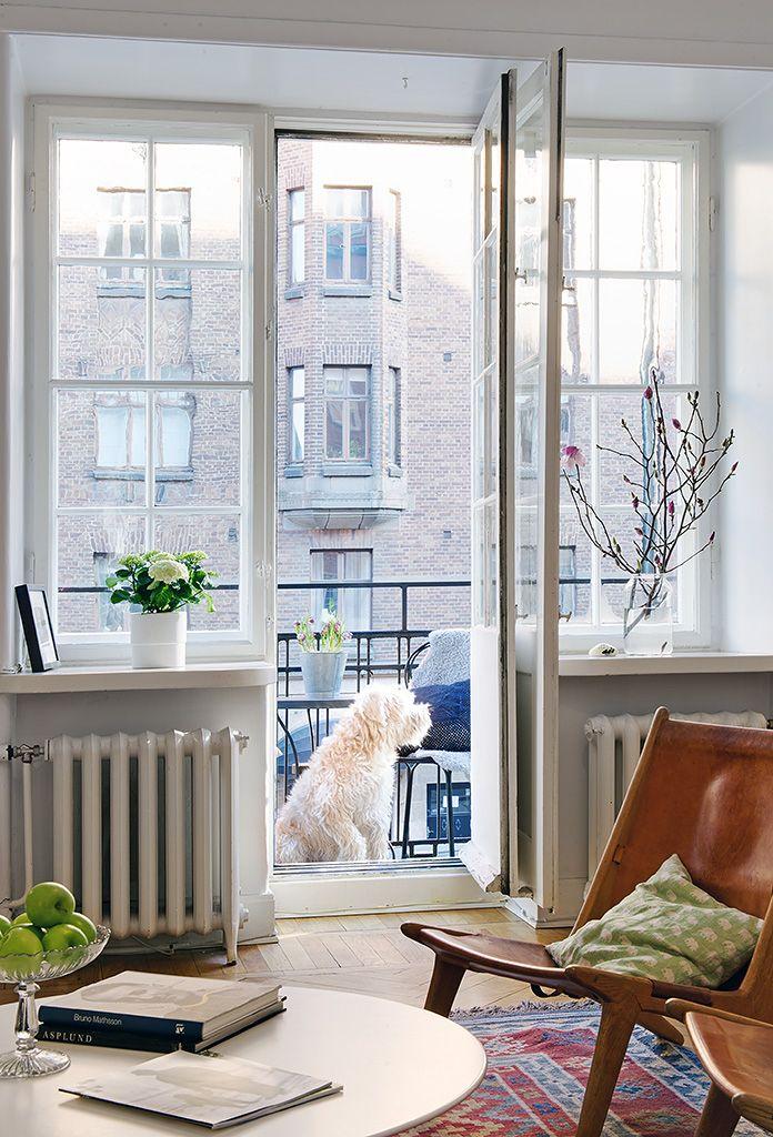 Petit balcon ou grandes fenêtre pour s'aérer l'esprit et la maison