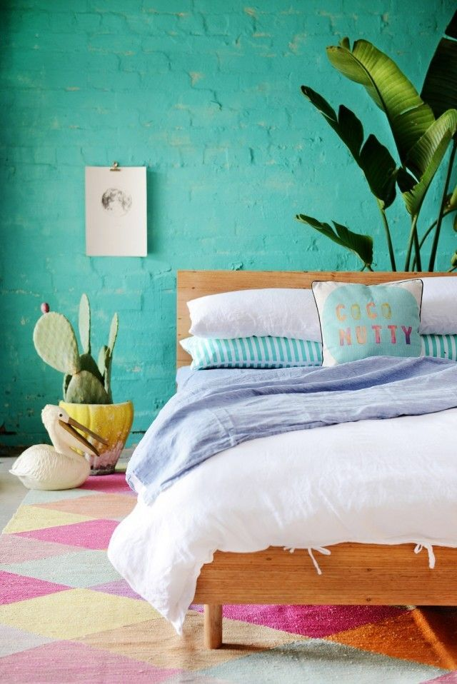 Couleurs tropicales au mur, chambre colorée