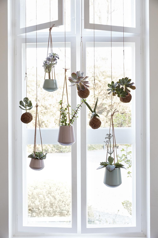 Pots suspendus déco design fenêtre Hübsch