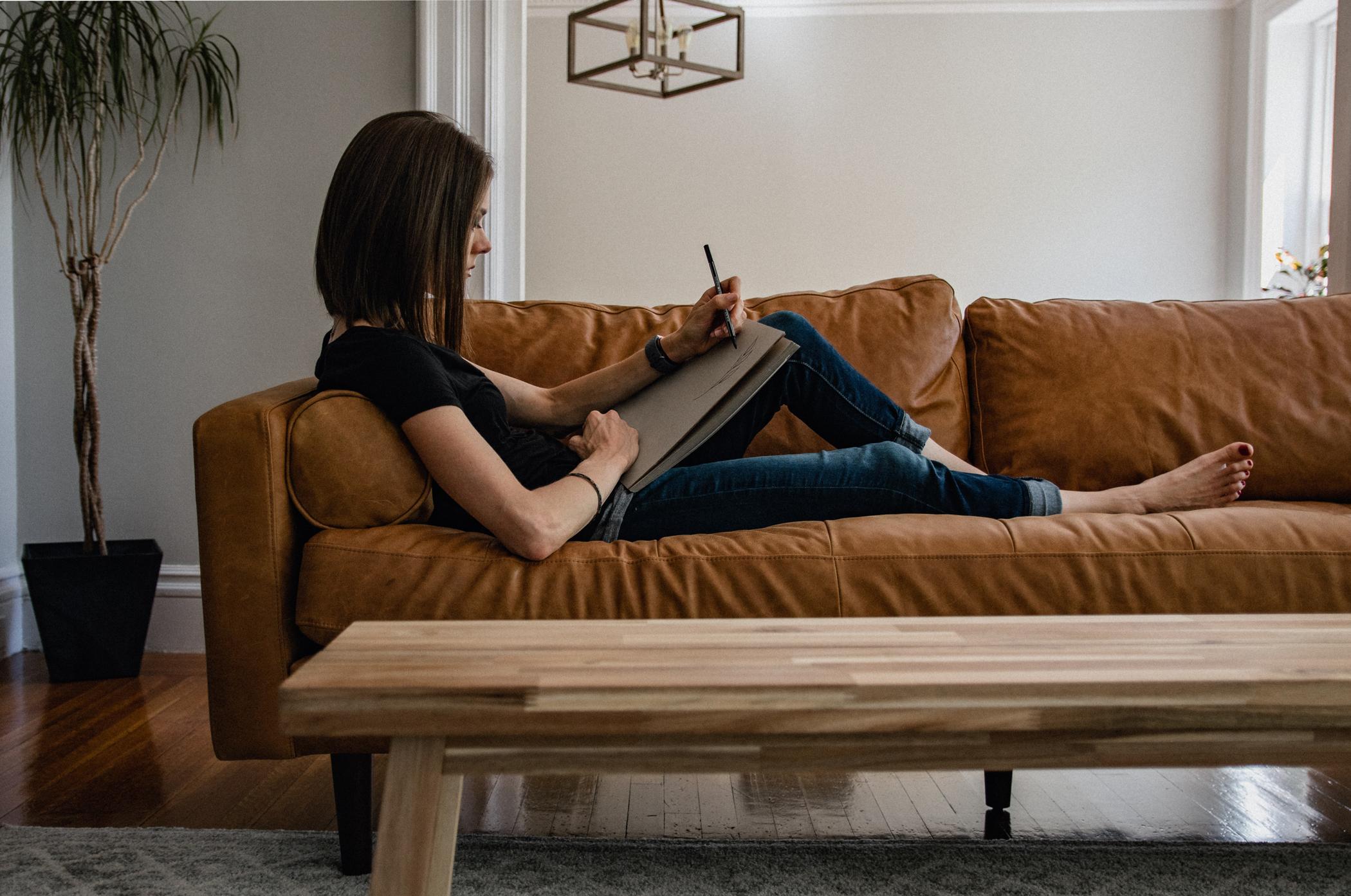 Confort canapé et sofa : comment choisir la fermeté ?