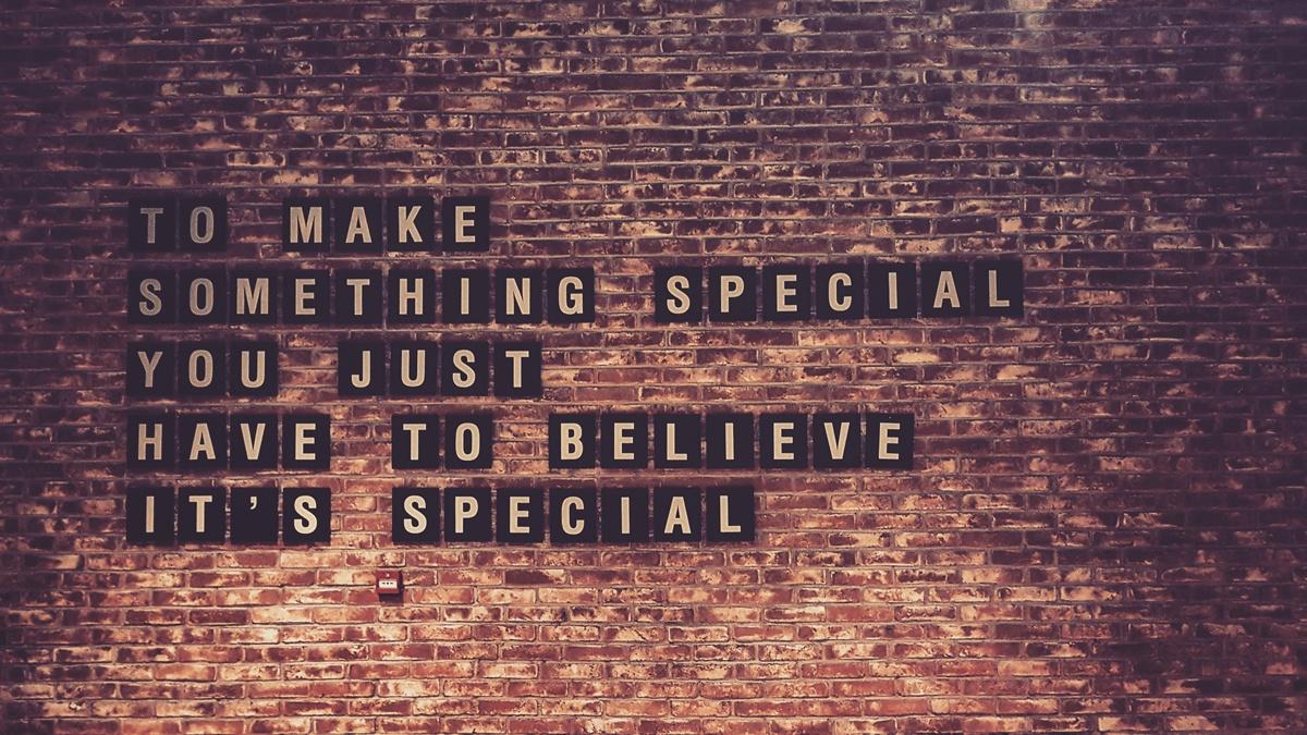 Art-wall brick text