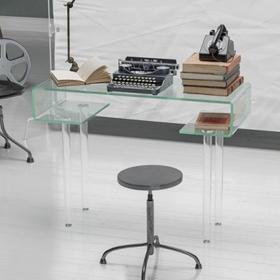 Bureaux en verre de la marque Table Concept